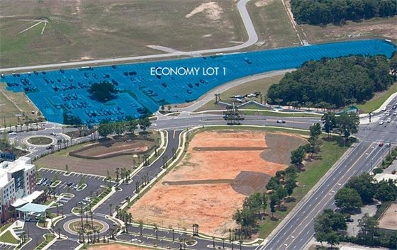 Economy lot 1 at Pensacola International Airport