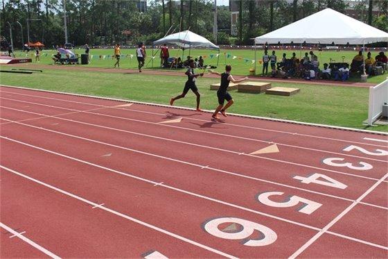 Mens 800M Relay at AAU Regional Championships