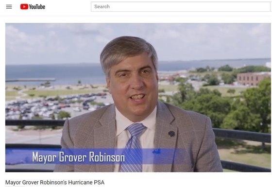 A photo of Mayor Grover Robinson