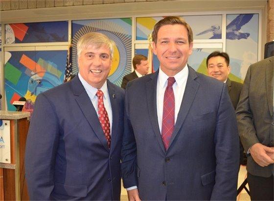 Mayor Robinson poses with Gov. DeSantis