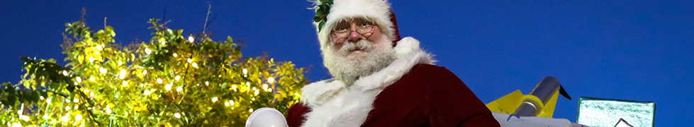 Santa Poses at the 2016 Christmas Parade