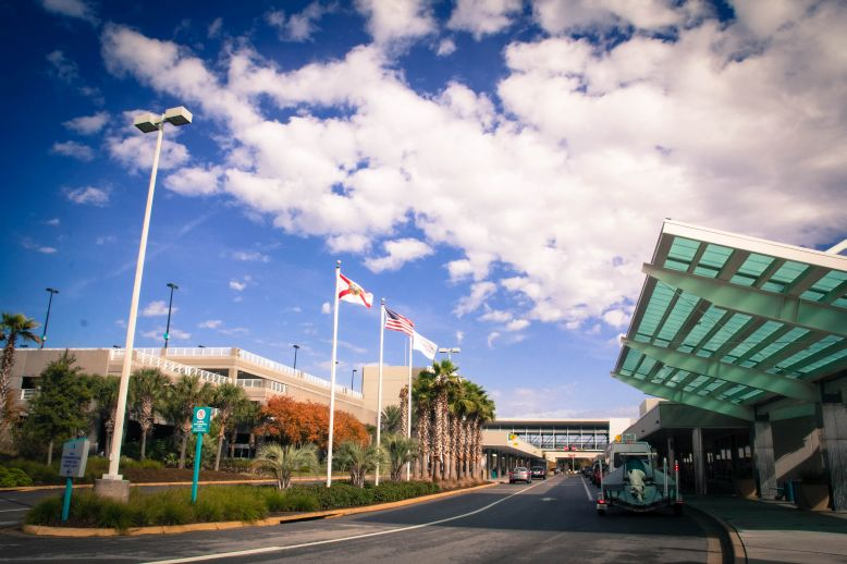 Airport-Terminal-at-the-Pensacola-International-Airport